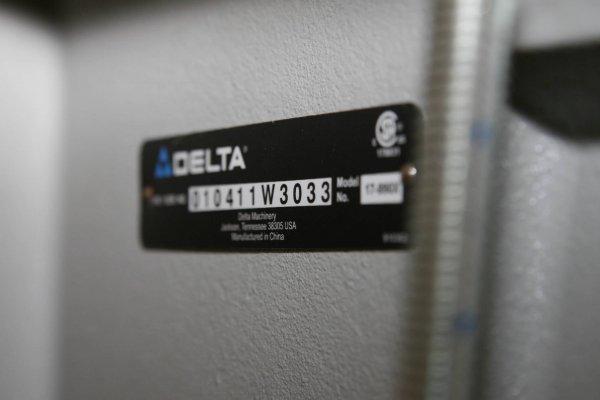 """3639: PROFESSIONAL DELTA PORTER CABLE 17"""" LASER DRILL P - 8"""