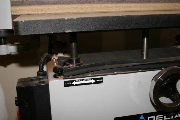 3644: DELTA PORTER CABLE OSCILLATING EDGE SANDER W SPIN - 6
