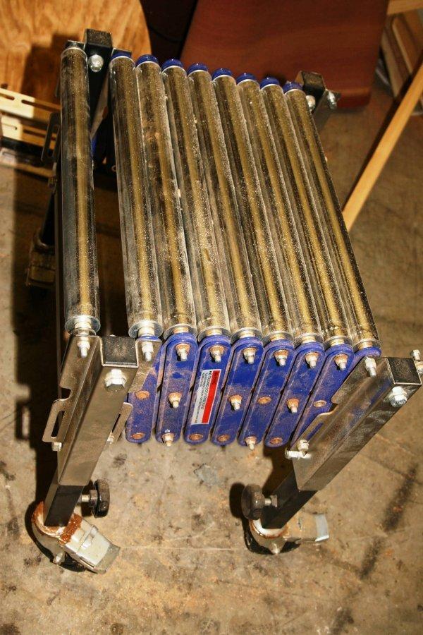 3658: PROFESSIONAL HD EXPANDABLE WOOD ROLLING RACK CONV