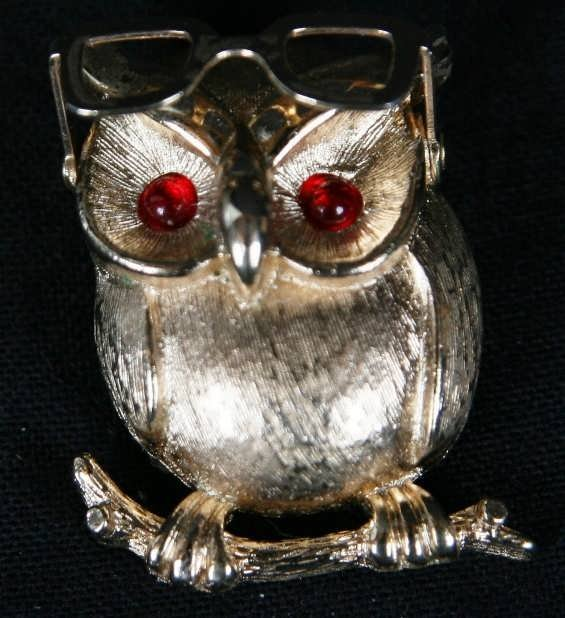 2302: VINTAGE SARAH COVENTRY OWL WITH MOVING GLASSES BR