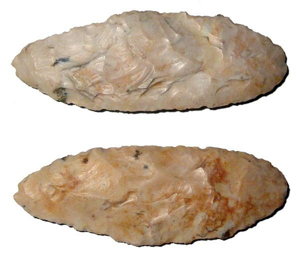 20: A nice crème colored Pre-Dynastic oval-shaped flint