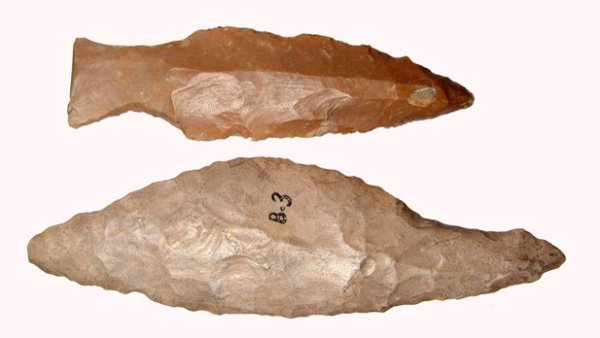 23: Pre-Dynastic Egypt, A lot of 2 stone tools from Upp