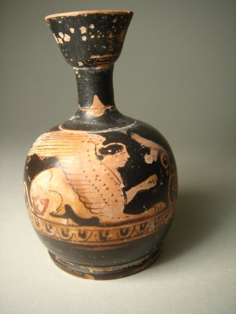 513:  Greek South Italy, Apulia, c.330 BC. A red-ware s