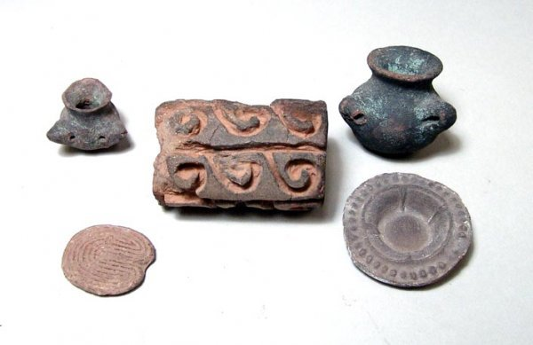 14: West Mexico, c. 250 BC to c. AD 500. A lot of five