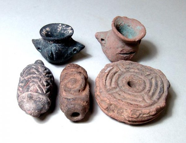 16: West Mexico, c. 250 BC to c. AD 500. A lot of five