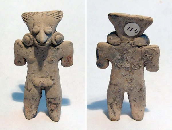 8: A Michoacan Female Figure w/ Teotihuacan Influences