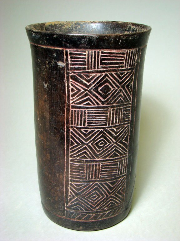 22: Choice Mayan Cylinder with Incised Panel. Nice!