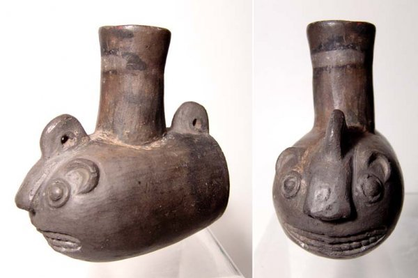 24. A NICE CHIMU BLACKWARE POT WITH ZOOMORPHIC FEATURES