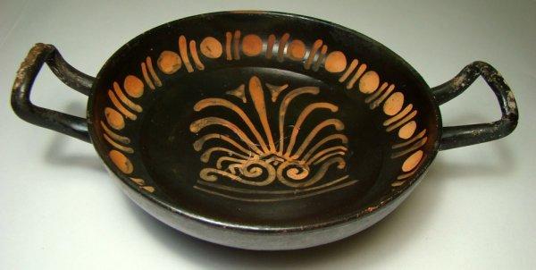 """522: South Italy, Apulia, c. 330BC., a lovely """"KYLIX"""""""