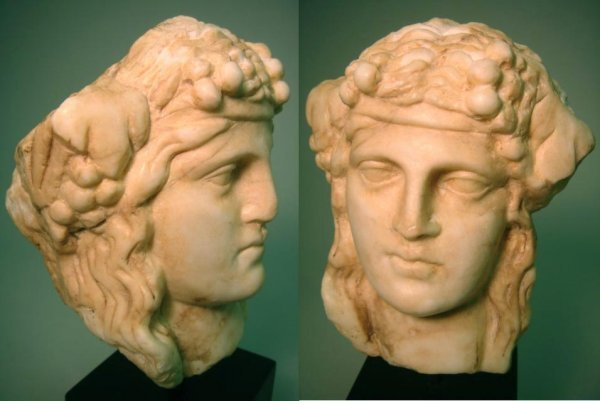 542: Roman marble head of Bacchus, c. 2 nd Century AD.
