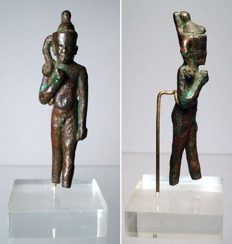 1: Egypt, A handsome bronze amulet of Harpokrates