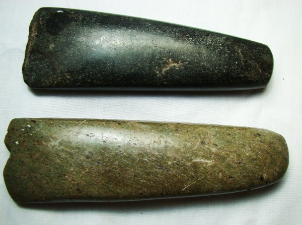 111: A lot of two pre-historic hand axes. Both polished