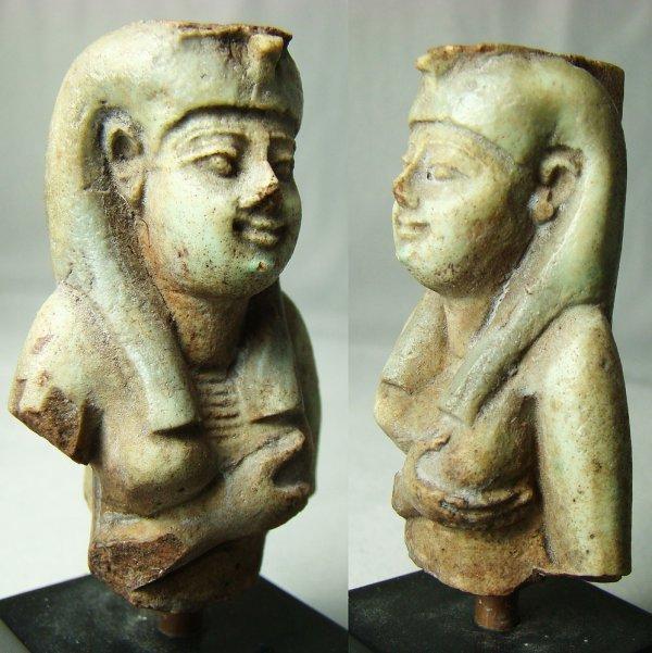 513: Egypt, XXVI Dynasty, c. 664-525BC, Isis amulet