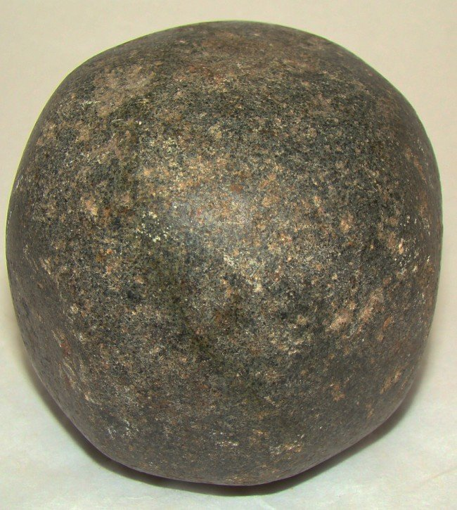 14: Judaea, green-black colored domed limestone weight