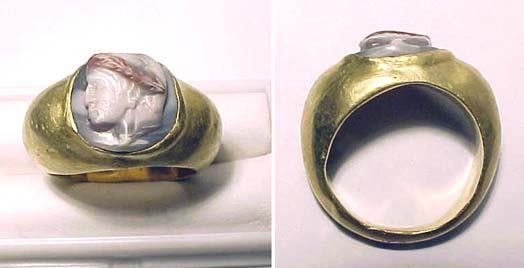65: Roman Gold Ring with Male Head.