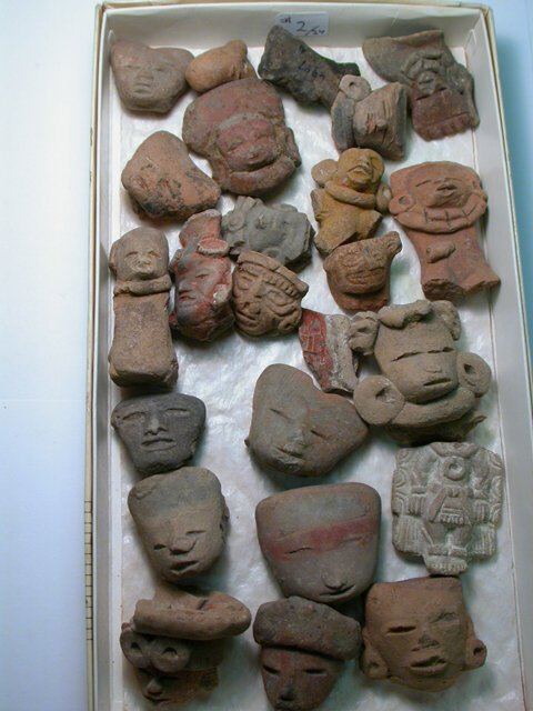 1002: Teotihuacan, c. 200-800 AD. A lot of 24
