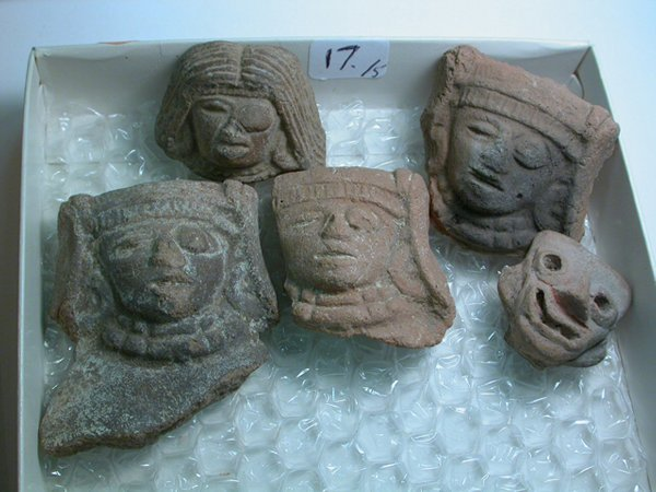 1017: Teotihuacan, c. 200-800 AD. A lot of 5