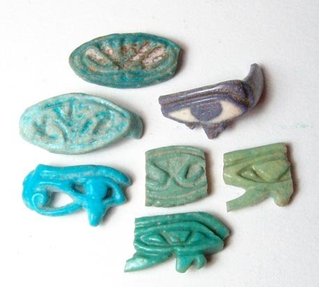 13: A choice lot of 7 faience ring fragments. Two of th