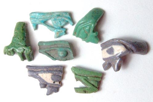 15: A lot of 7 faience ring fragments. Each ring depict