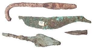 296: Mixed lot of 4 items. 1). Hellenistic bronze arrow