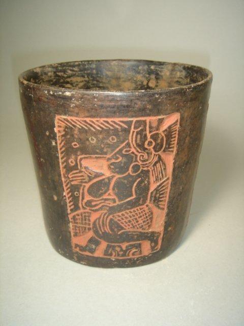 "2338: Mexico, Mayan ""cylinder vase"", circa 550 to 900 A"