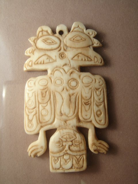 2467: Alaska, Sitka, Tlinglit Tribe, a rare bone carvin