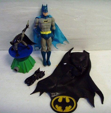 17: Vintage Batman toy Group 4 pcs