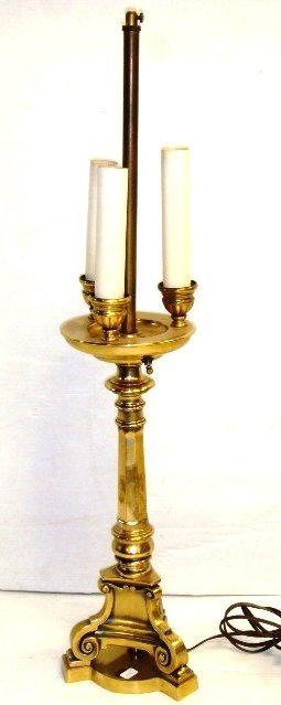 19: Classical Style Lamp Brass Plated