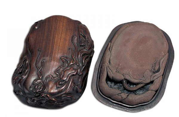 1443: a Chinese QiYang inkstone with original wood case