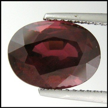 28: 4.69cts~Ultra Rare color change Grossular Garnet