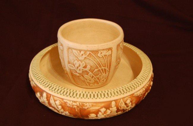 11: Roseville arrangement flowerpot and flowerpot plate