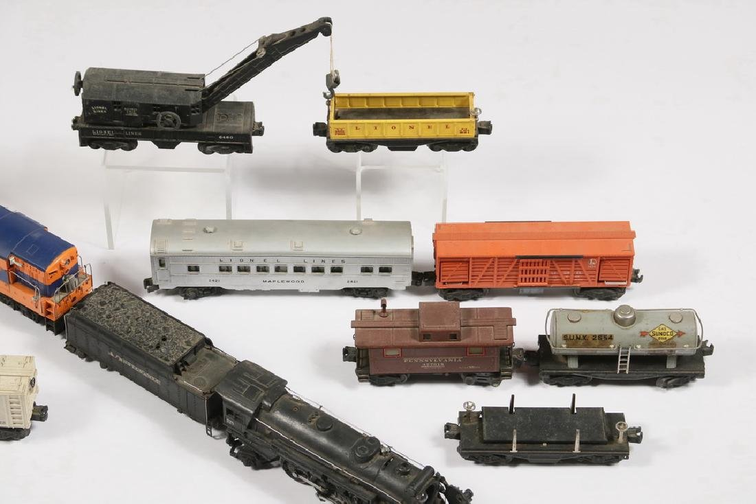 (12) LIONEL 'O' GAUGE TOY TRAIN ENGINES & CARS - 2