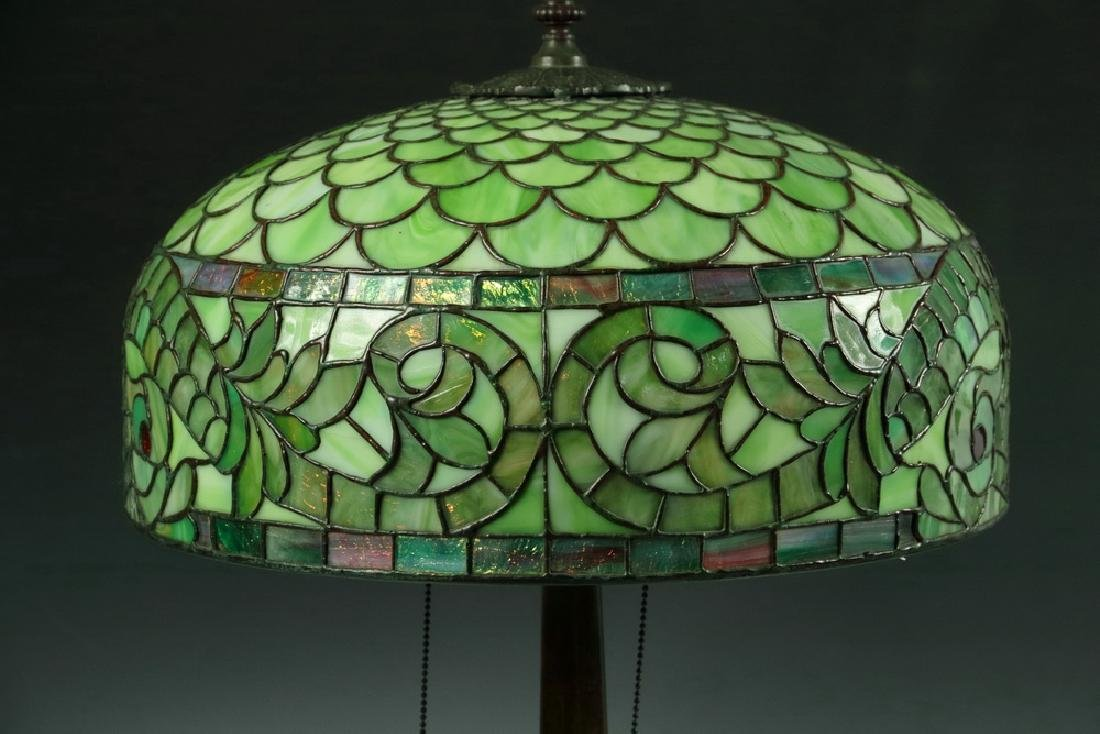 LEADED GLASS SHADE DOLPHIN TABLE LAMP - 3