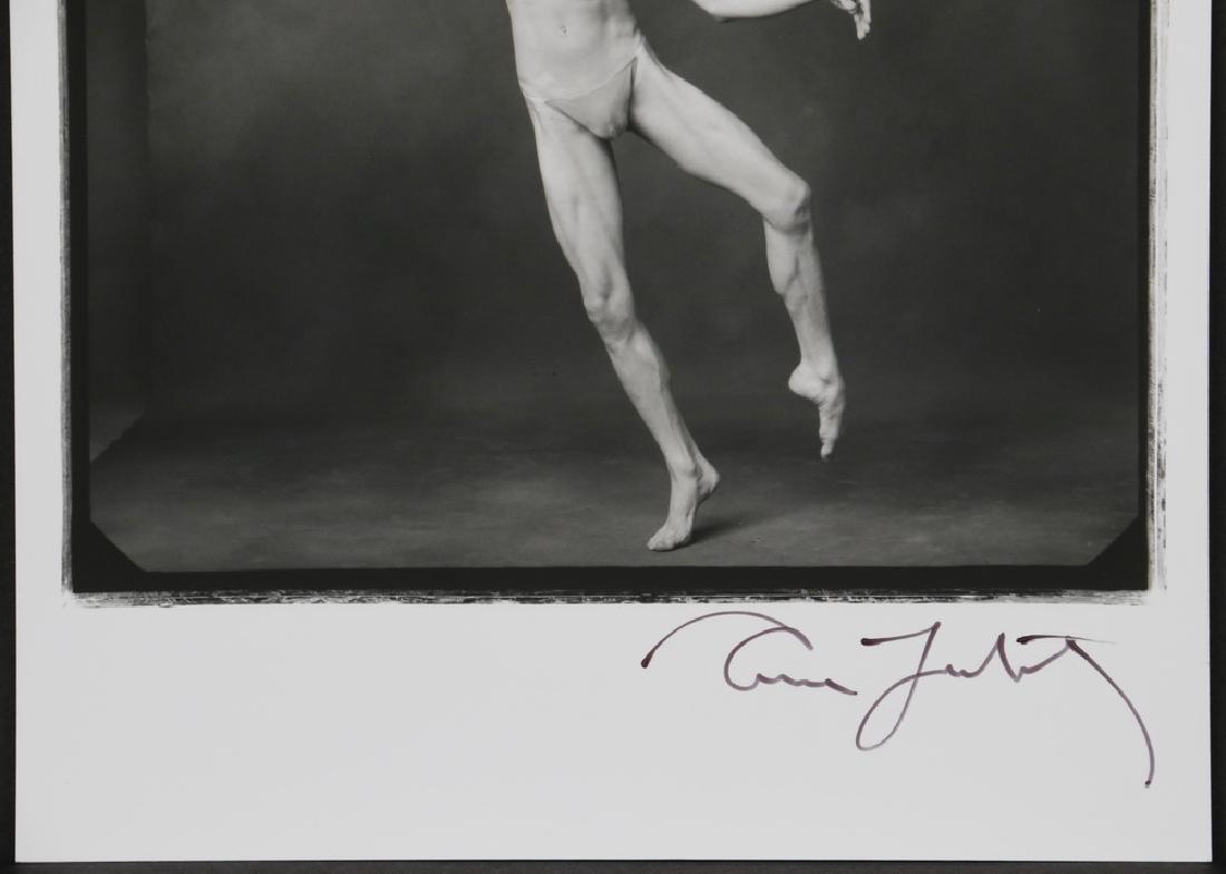 ANNIE LIEBOVITZ (CT/NY, 1949 - ) - 2