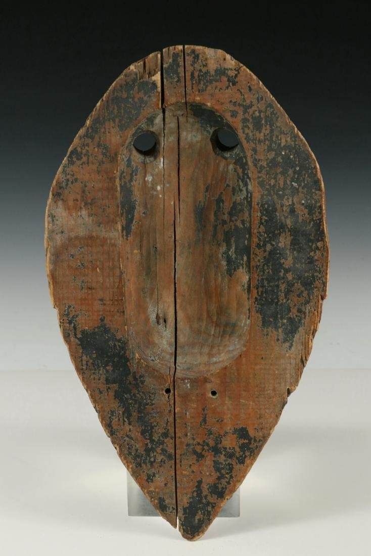EARLY INUIT RITUAL MASK