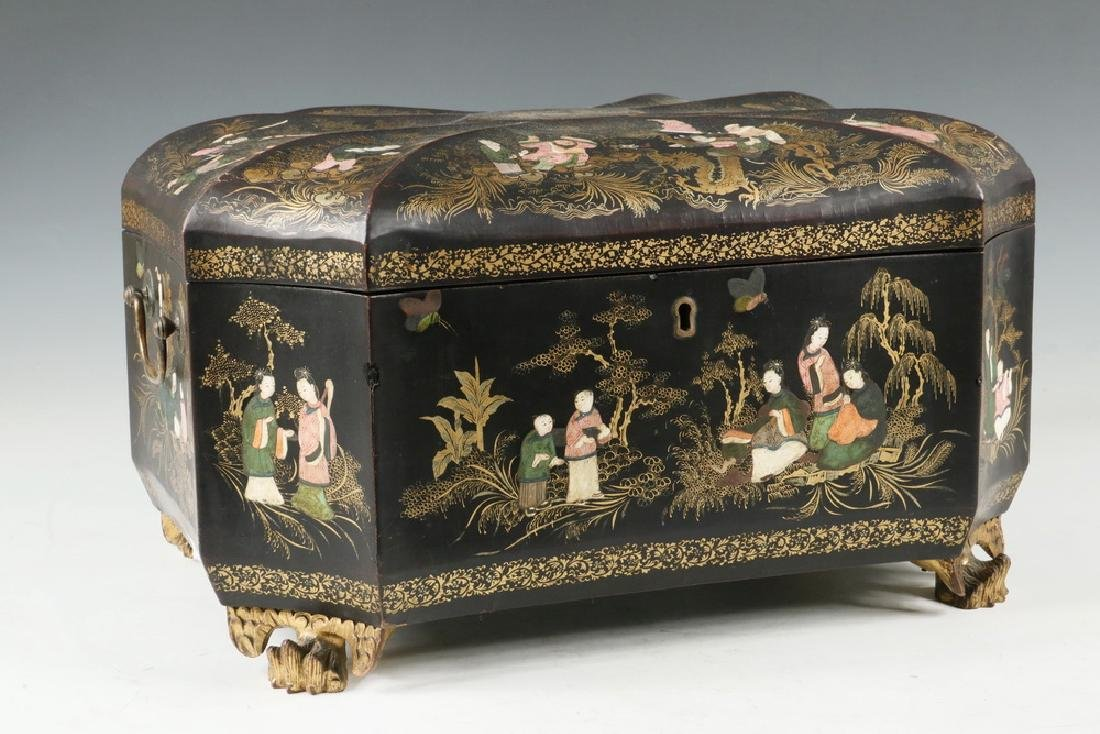 LACQUERED TEA CADDY
