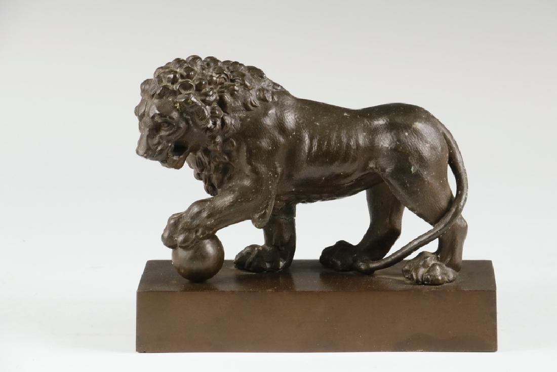 BRADLEY & HUBBARD LION FIGURE