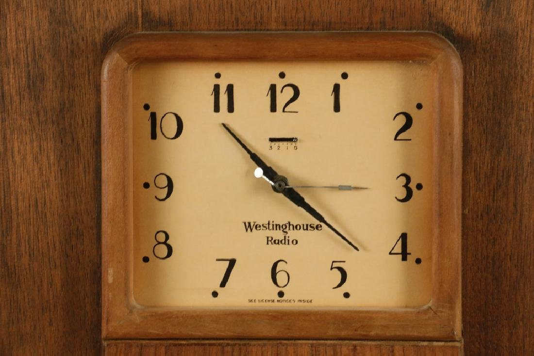 WESTINGHOUSE 'COLUMAIRE' ART DECO CLOCK & RADIO - 2