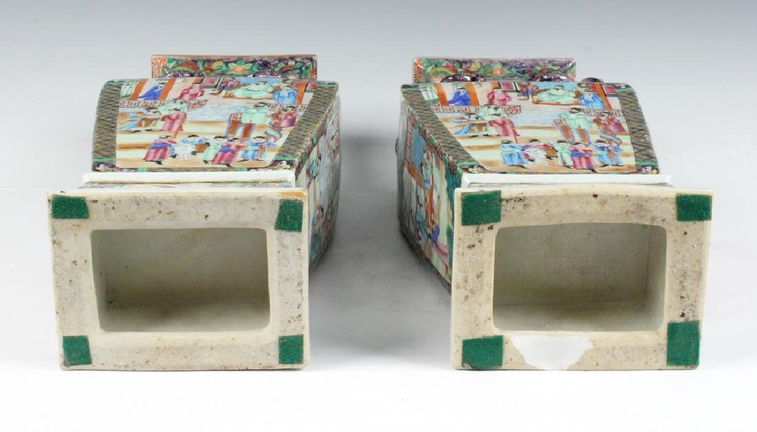 PAIR CHINESE LIDDED URNS - 5