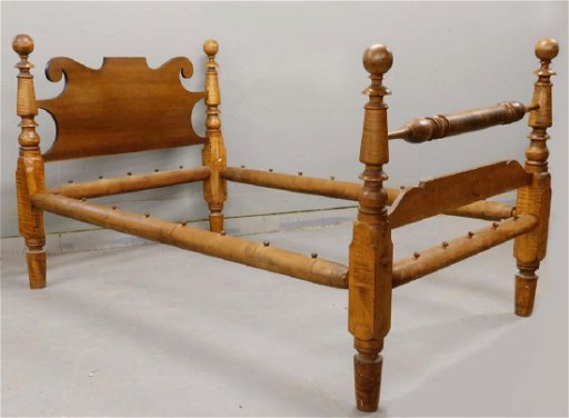 TIGER MAPLE CANNONBALL BED