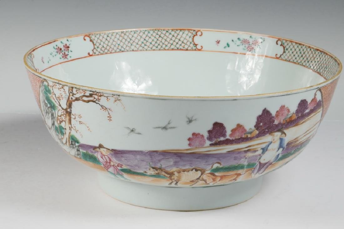 CHINESE EXPORT PORCELAIN PUNCH BOWL - 2