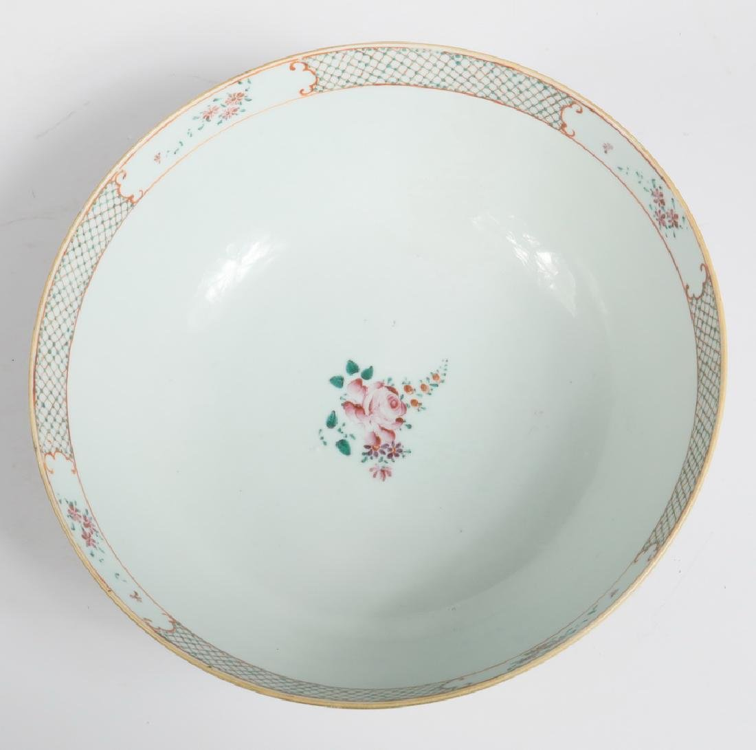 CHINESE EXPORT PORCELAIN PUNCH BOWL - 3