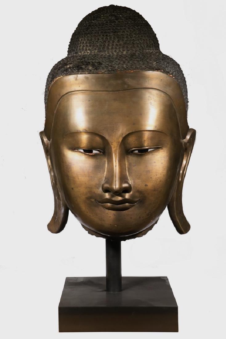 VERY EARLY BURMESE BRONZE HEAD OF BUDDHA CAKYAMUNI