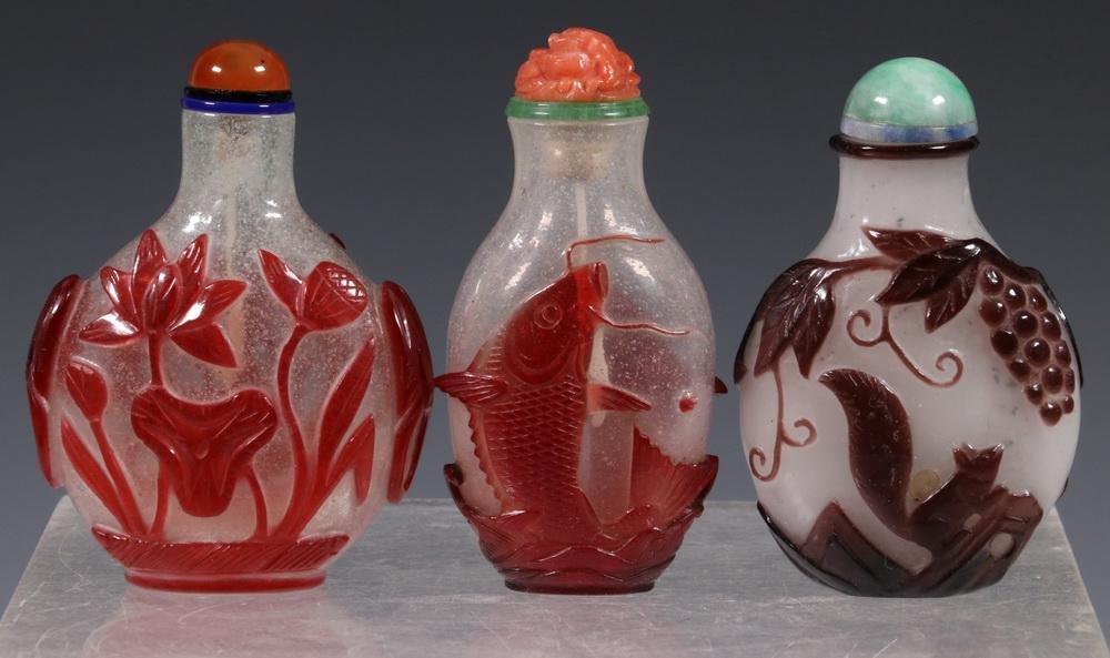 (3) CHINESE PEKING GLASS SNUFF BOTTLES