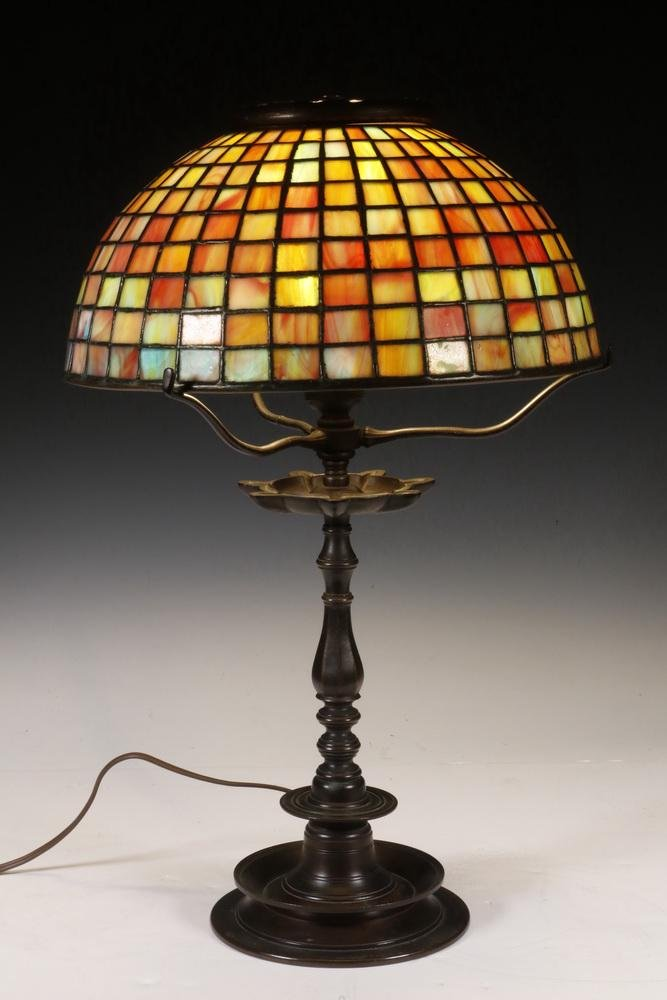 BRONZE TABLE LAMP WITH LEADED GLASS SHADE