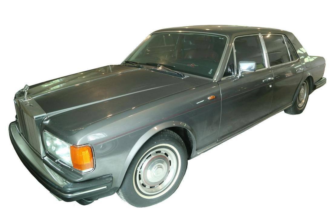 1983 ROLLS ROYCE SILVER SPIRIT AUTOMOBILE