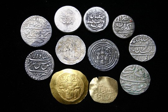 924: 11 Coins Large Copper, Persian Silver & Indian  - 2