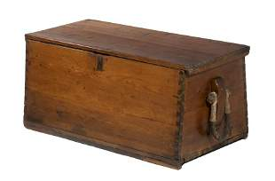 SAILOR'S TRUNK WITH BECKETS