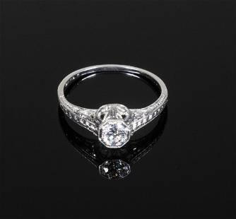 ANTIQUE PLATINUM AND DIAMOND LADIES RING