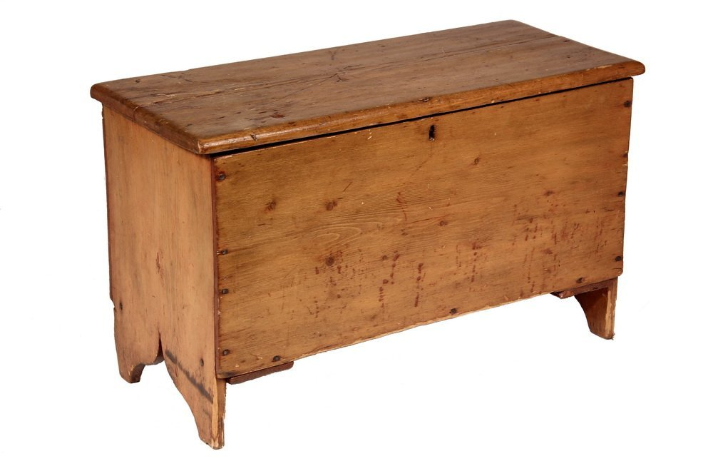 CHILD'S BLANKET BOX - 19th c. Diminutive Maine Pumpkin